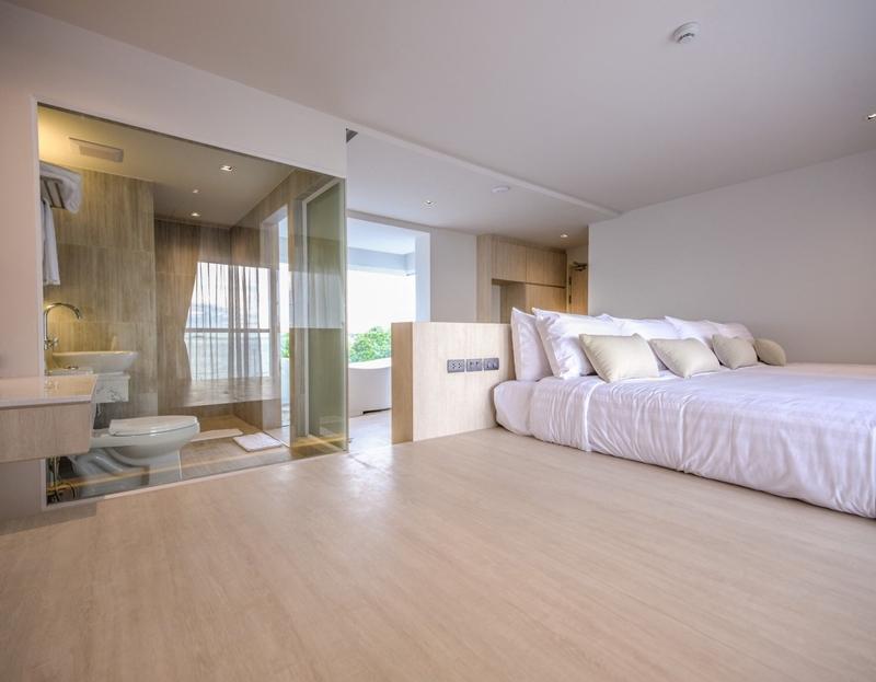 Corner Suite Room